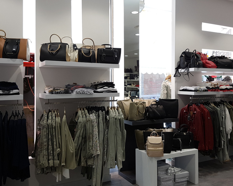 Arredamento negozio di abbigliamento fashion Area 34
