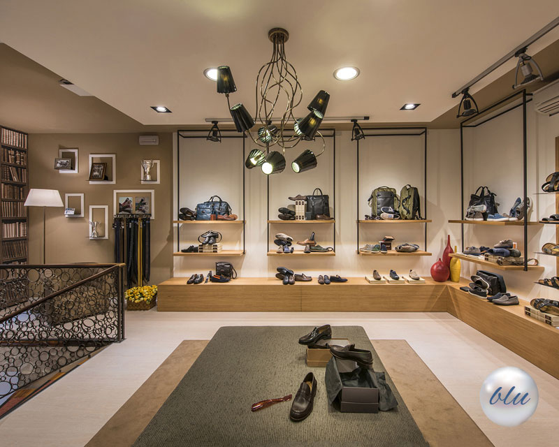 Arredamento negozio di calzature De Pol