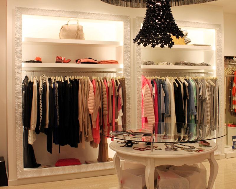 Arredamento negozio di abbigliamento Escalà