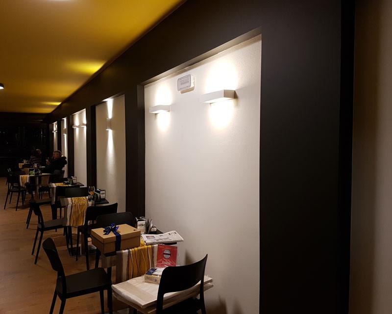 Arredamento bar caffetteria Esoterya Café realizzato a Codroipo (Ud)