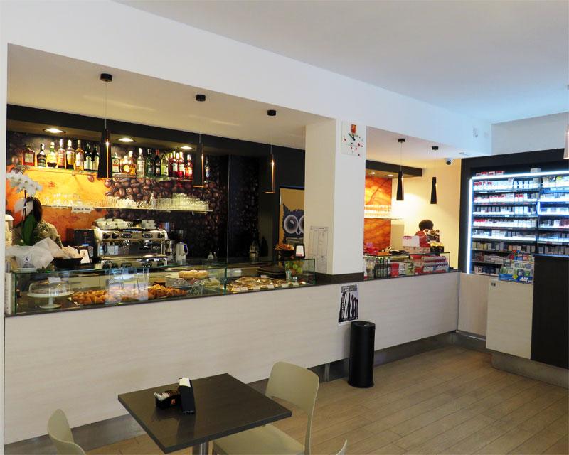 Arredamento bar caffetteria I Tre Vizi realizzato a Treviso