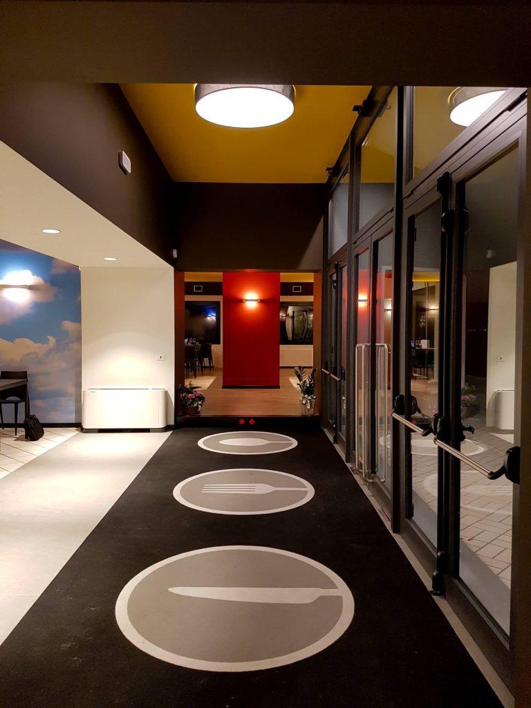 arredamento ristorante, entrata ristorante, COMINshop
