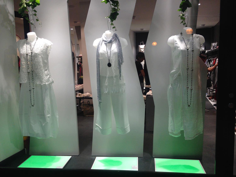 luci-per-negozio,-vetrina-moderna-di-negozio-di-abbigliamento,-realizzazione-COMINshop