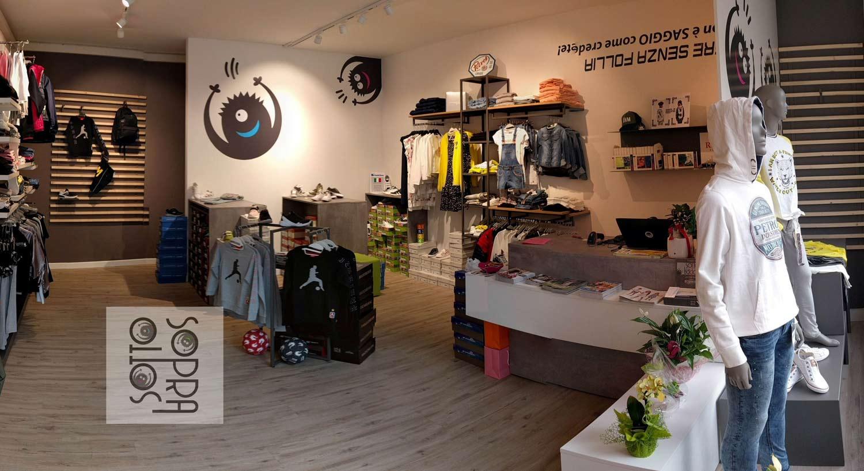 differenziare negozio dalla concorrenza, interno negozio di abbigliamento per bambini, realizzazione_COMINshop
