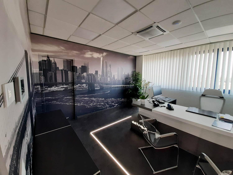 arredamento-uffici,-ufficio-con-stampa-skyline-New-Yor